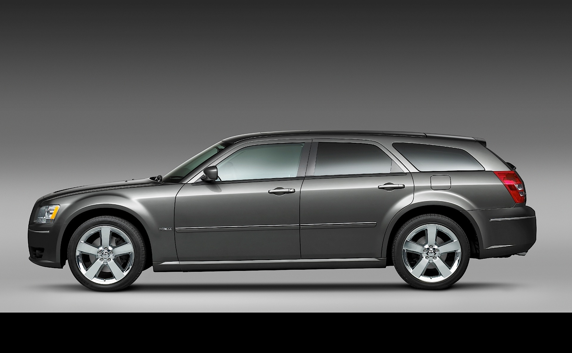 dodge magnum specs 2007 2008 autoevolution. Black Bedroom Furniture Sets. Home Design Ideas