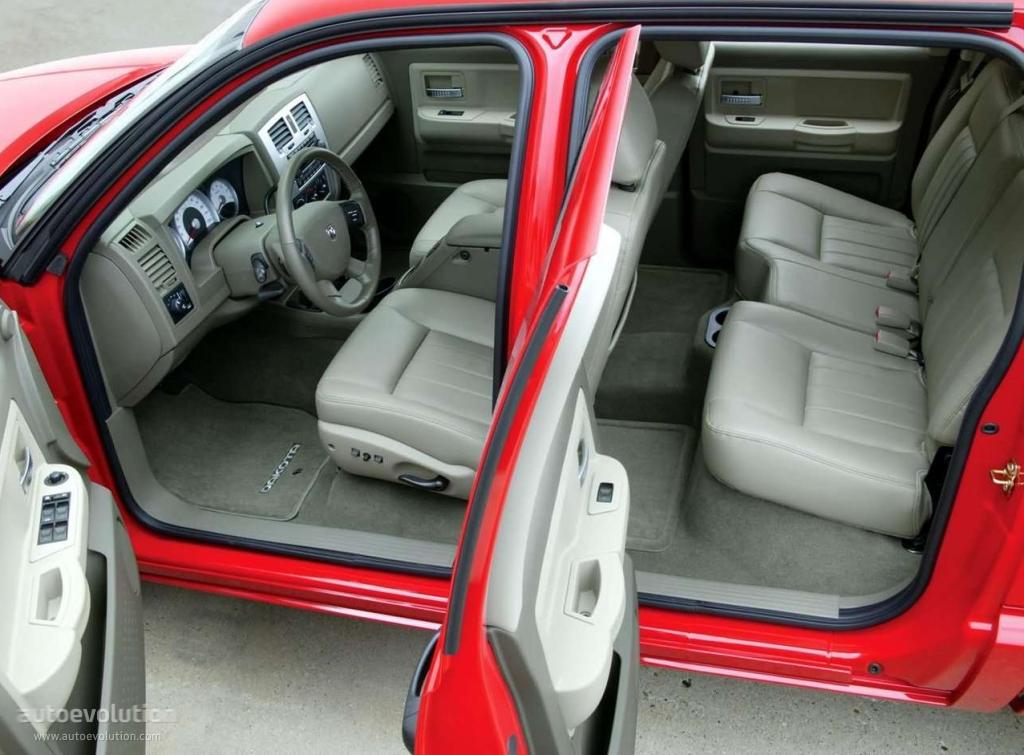 Club Cab Vs Quad Cab >> DODGE Dakota Quad Cab specs & photos - 2004, 2005, 2006, 2007, 2008, 2009, 2010, 2011 ...