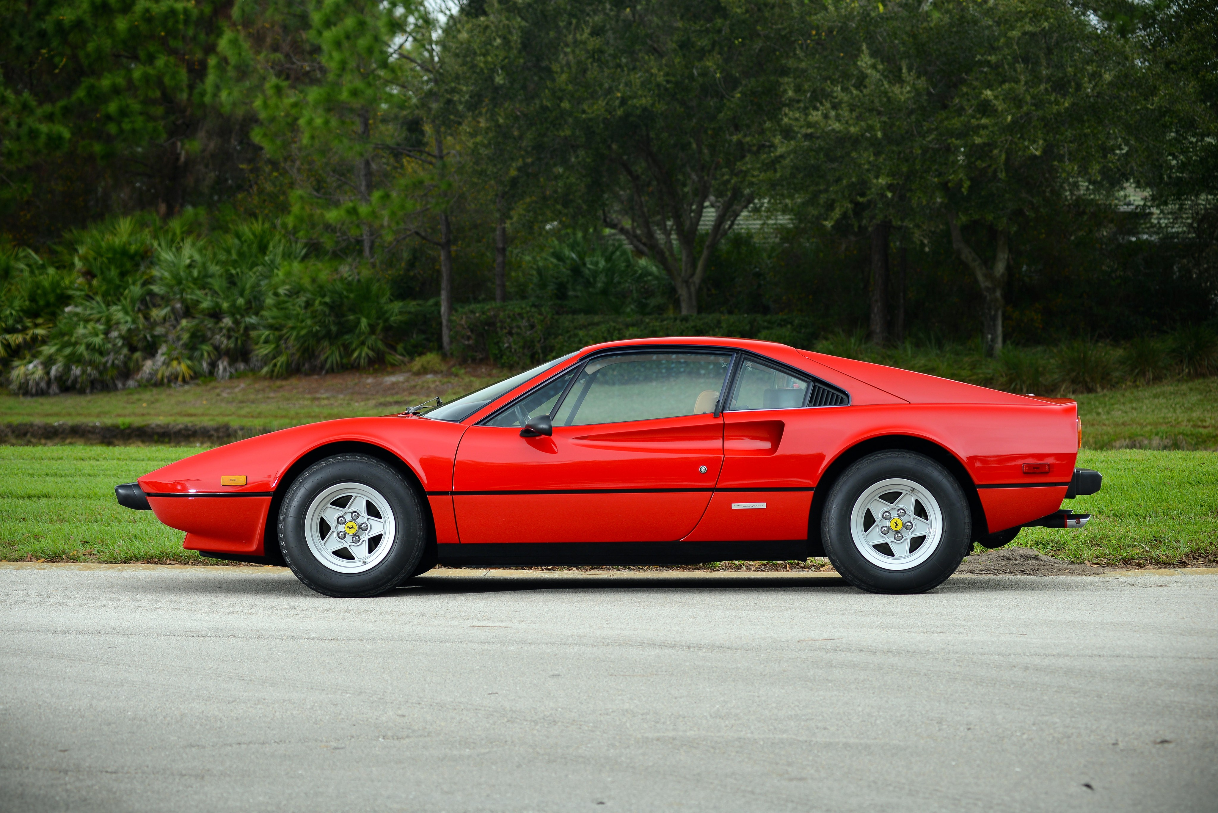 ferrari 308 gtb specs photos 1975 1976 1977 1978 1979 1980 autoevolution. Black Bedroom Furniture Sets. Home Design Ideas