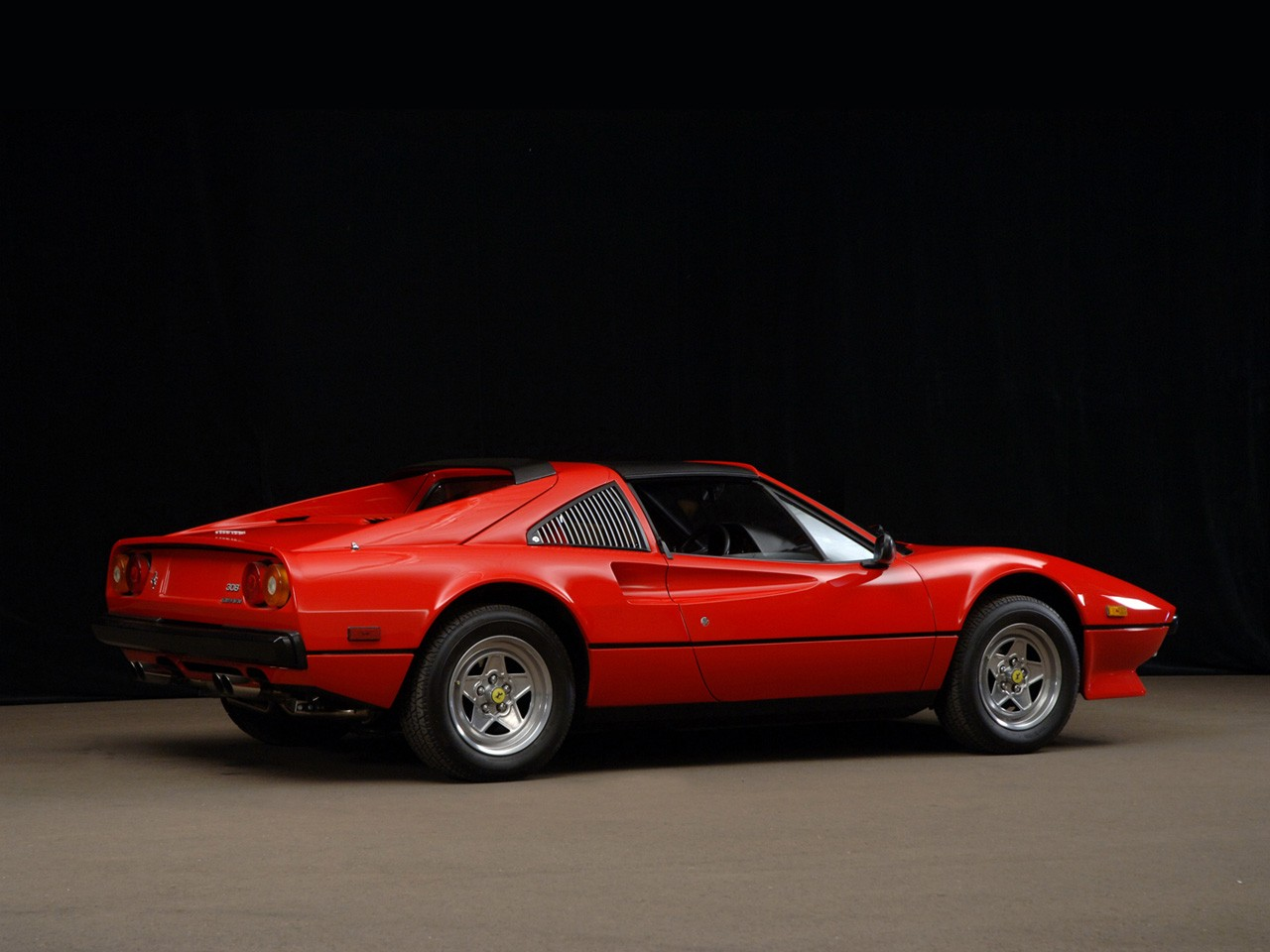 ferrari 308 gtsi quattrovalvole specs photos 1982 1983 1984 1985 autoevolution. Black Bedroom Furniture Sets. Home Design Ideas