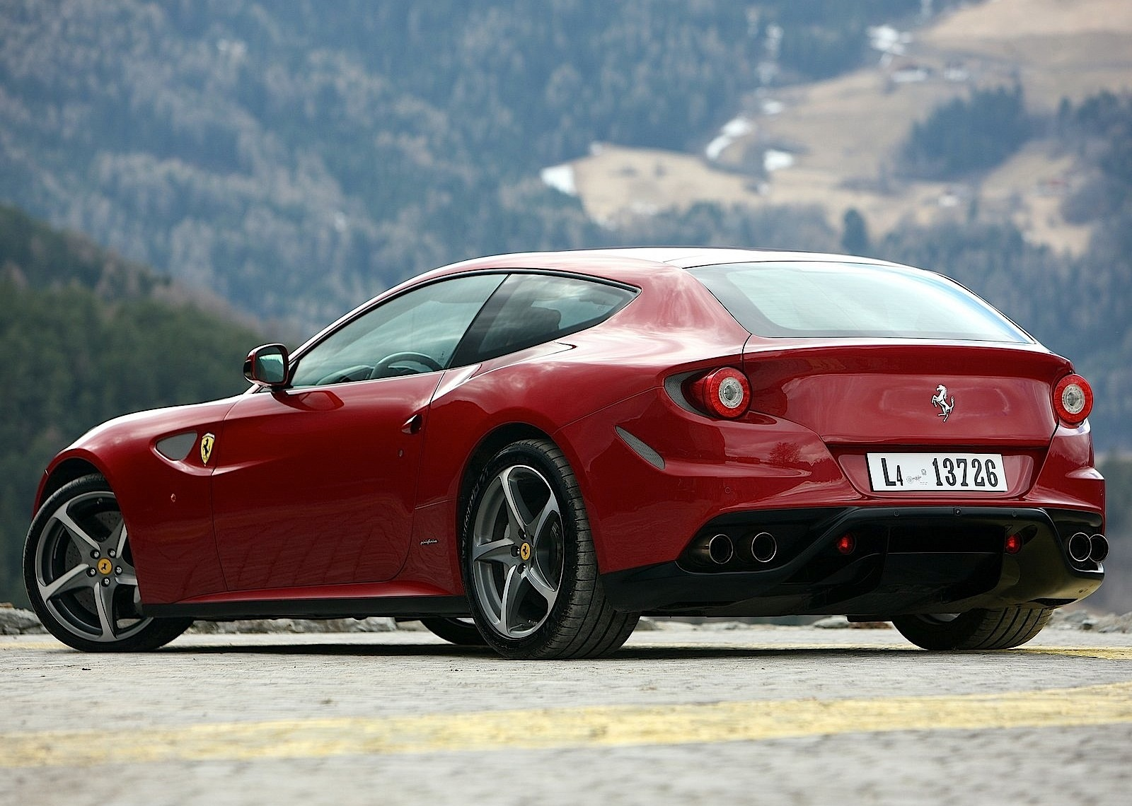 ferrari ff specs 2011 2012 2013 2014 2015 2016 autoevolution. Black Bedroom Furniture Sets. Home Design Ideas