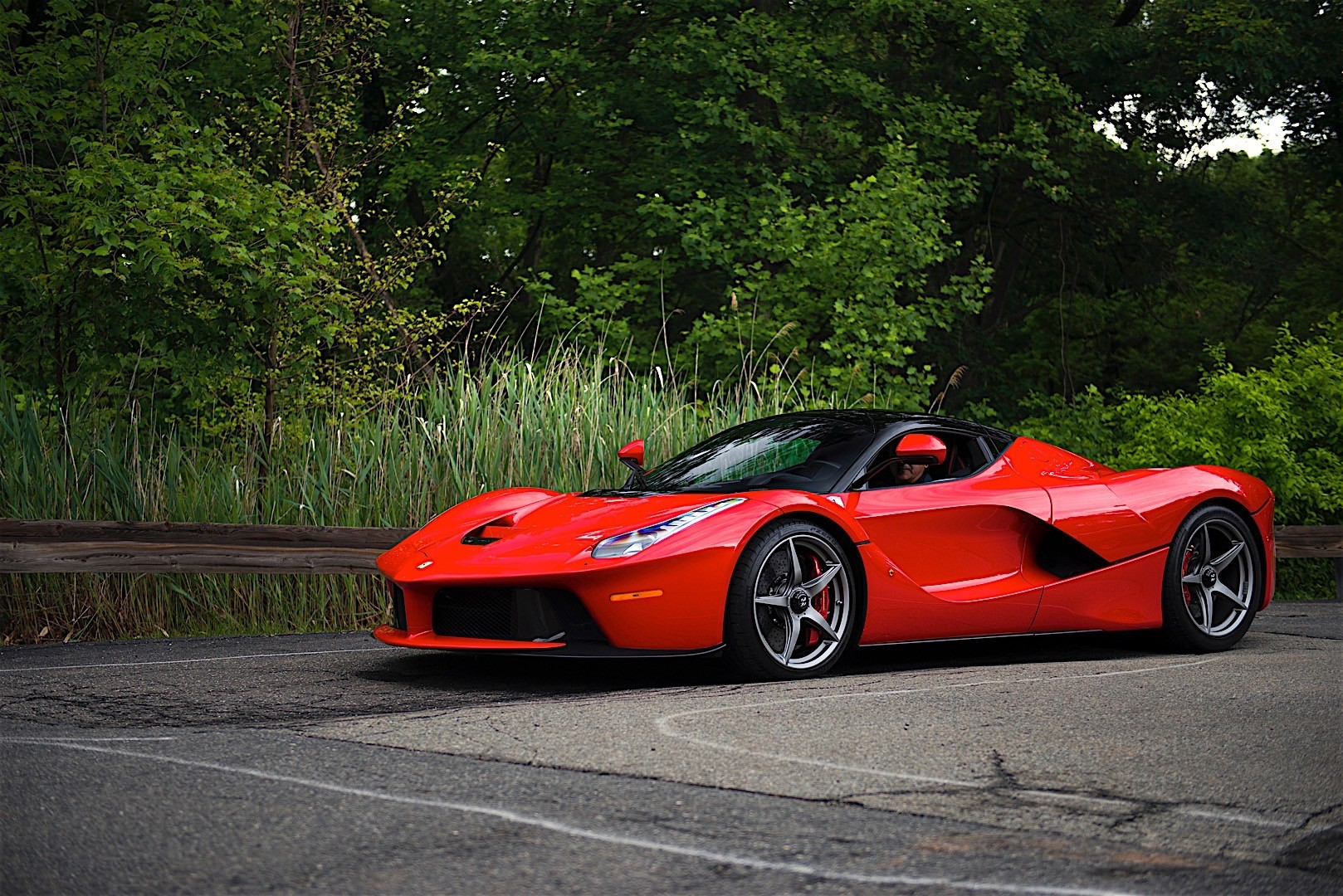 ferrari laferrari 2013 2014 2015 autoevolution. Black Bedroom Furniture Sets. Home Design Ideas