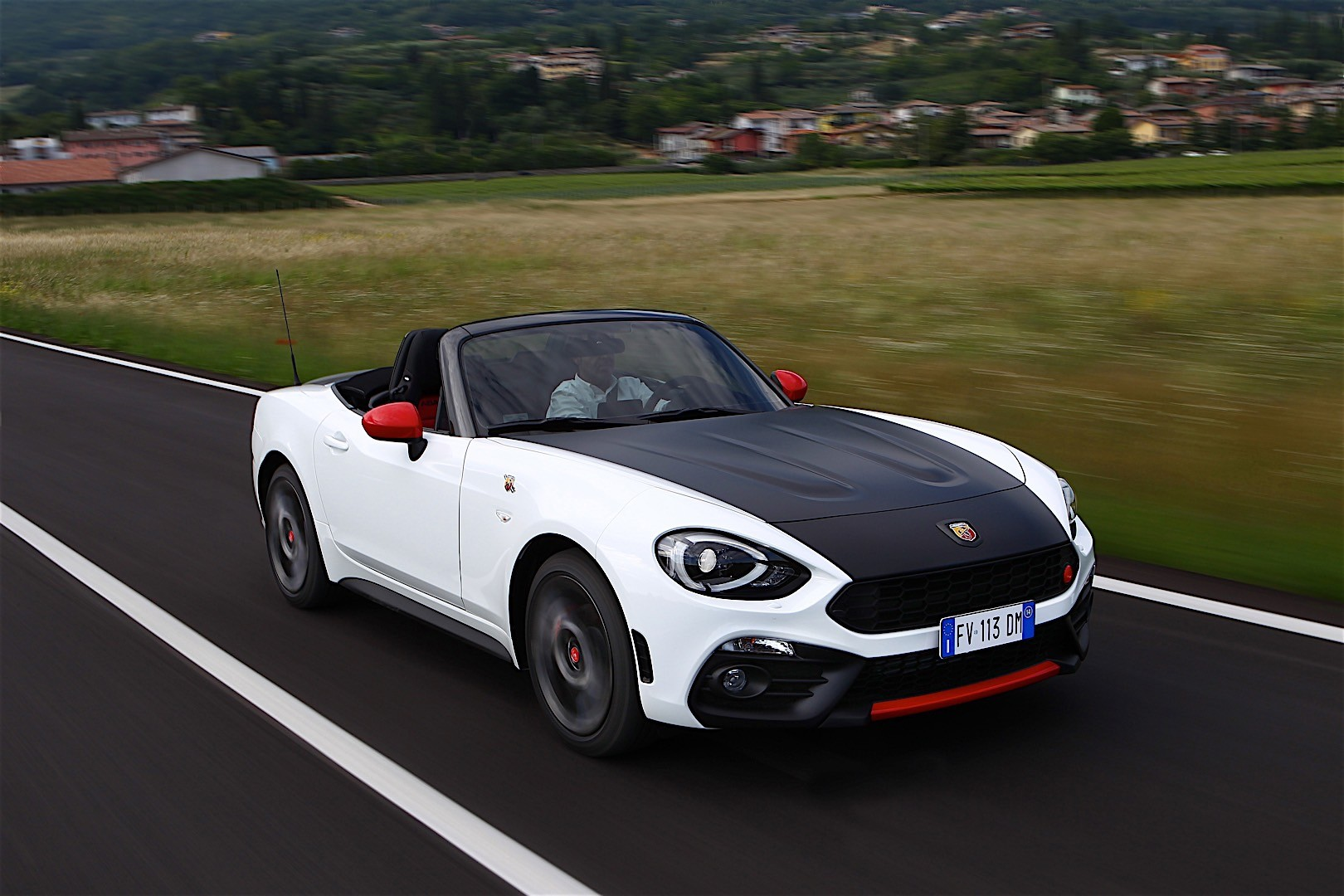 fiat 124 abarth spider 2017 autoevolution. Black Bedroom Furniture Sets. Home Design Ideas