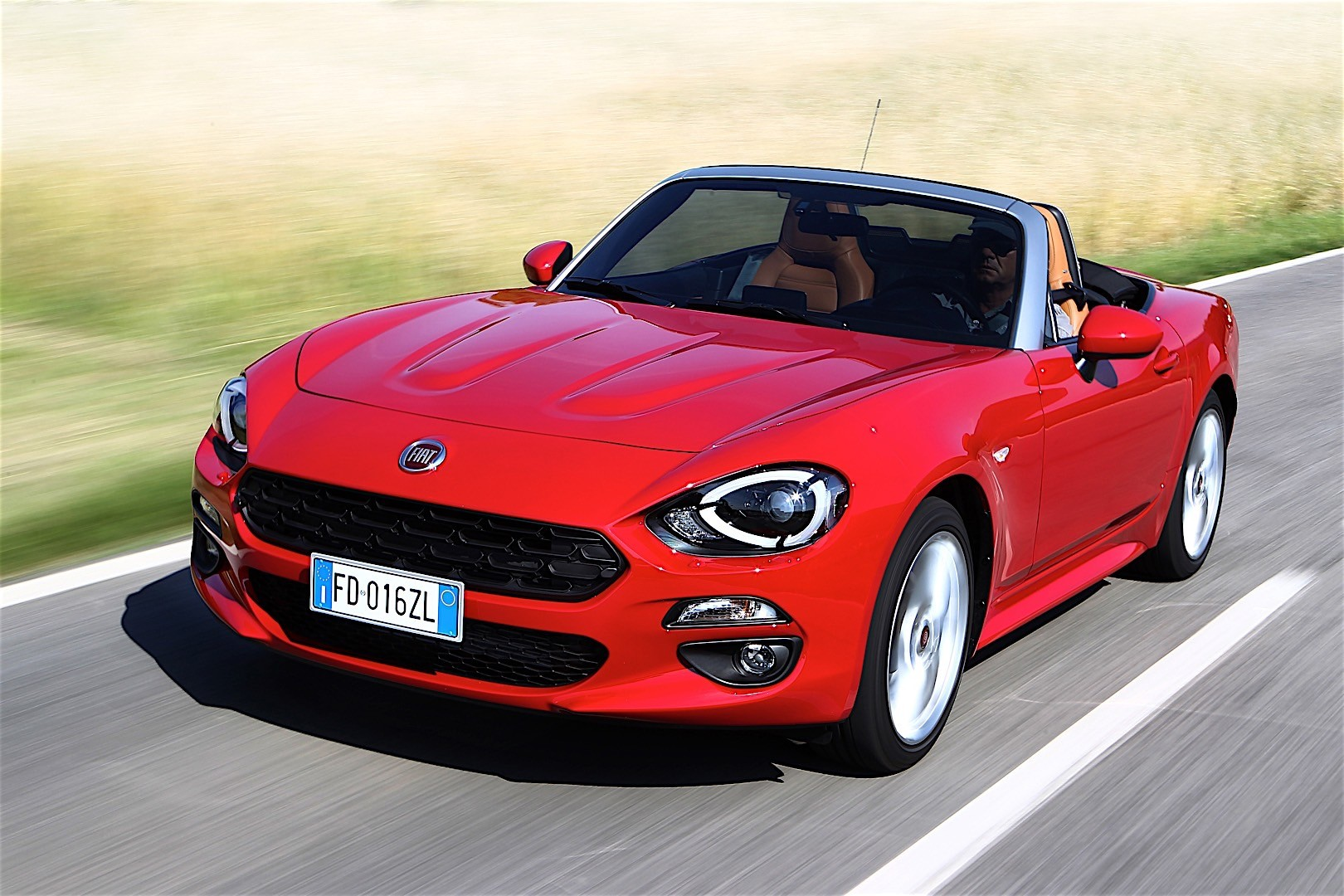 fiat 124 spider specs 2016 2017 2018 autoevolution. Black Bedroom Furniture Sets. Home Design Ideas