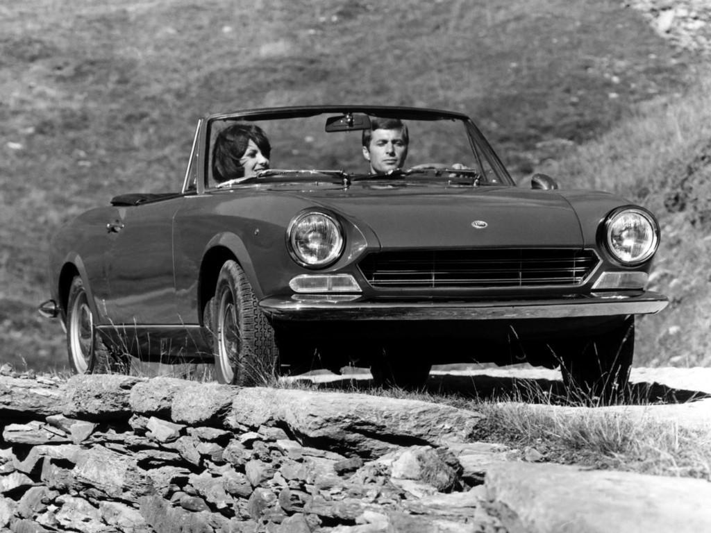 fiat 124 sport spider 1966 1967 1968 1969 autoevolution. Black Bedroom Furniture Sets. Home Design Ideas