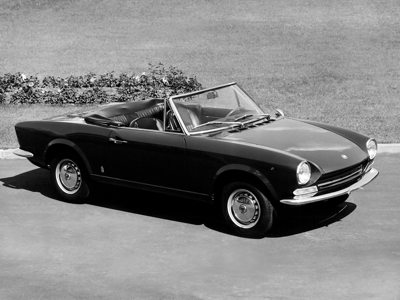 fiat 124 sport spider 1966 1967 1968 1969 autoevolution. Black Bedroom Furniture Sets. Home Design Ideas