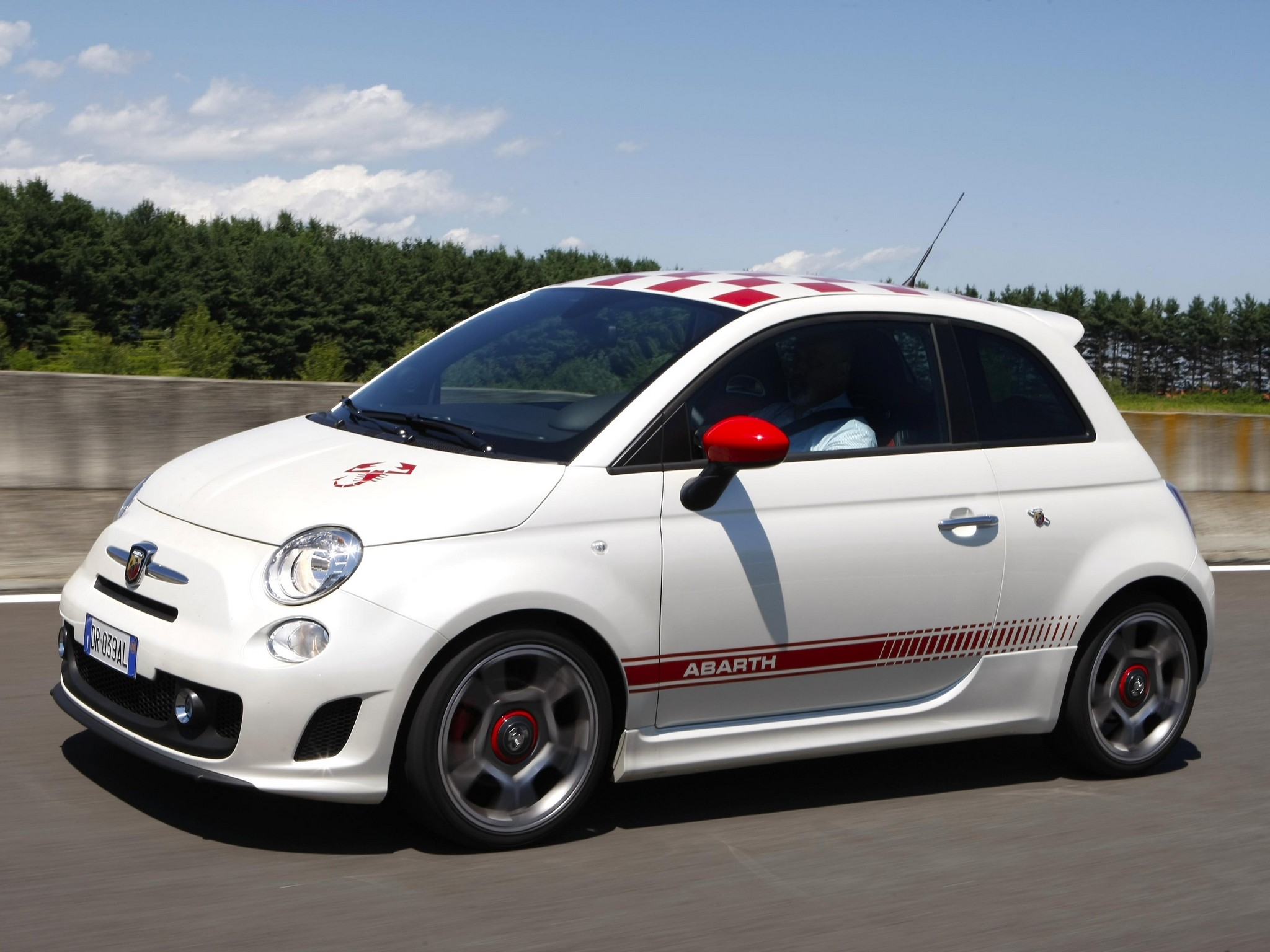 fiat 500 abarth performance specs autos post. Black Bedroom Furniture Sets. Home Design Ideas