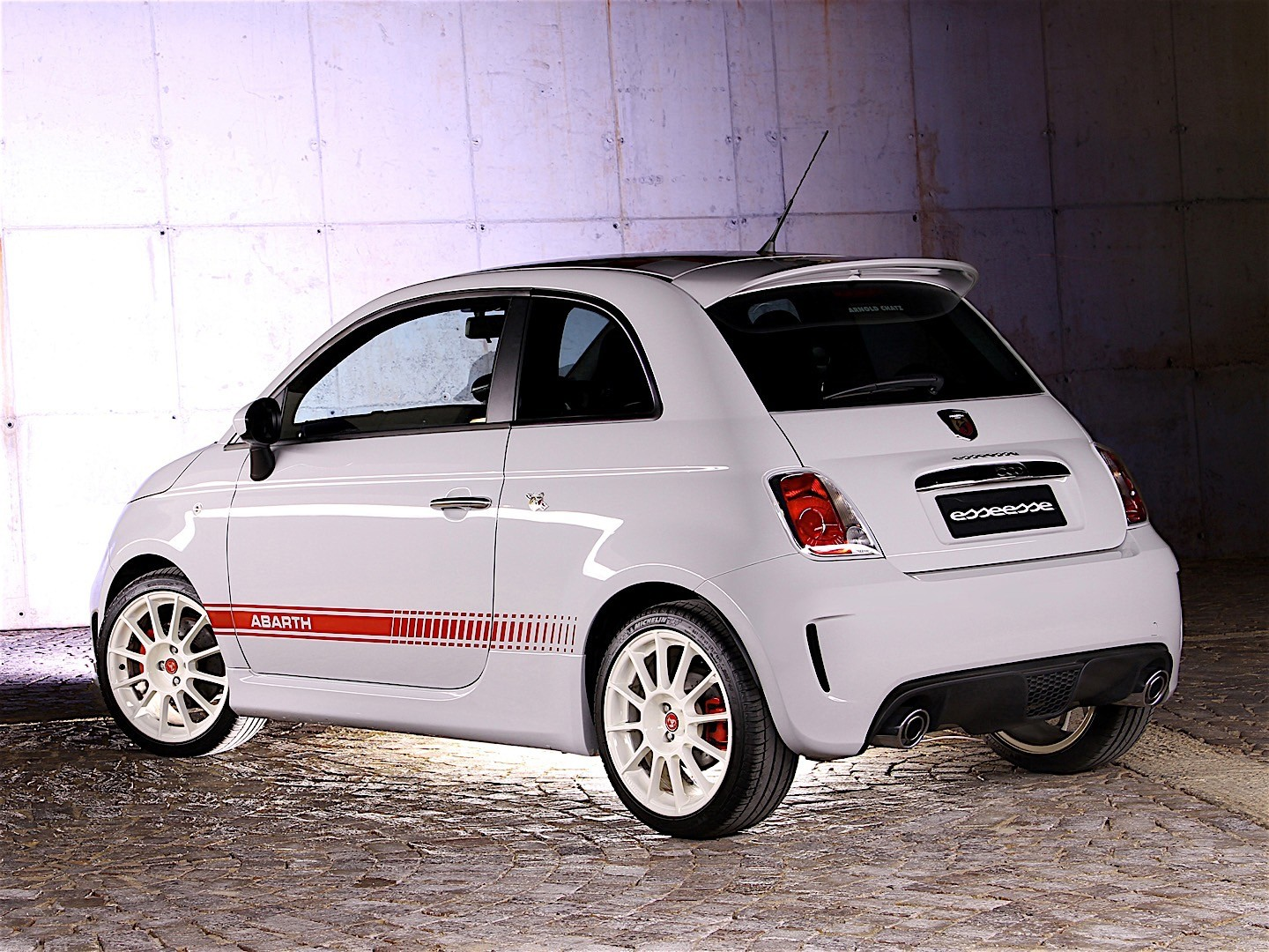fiat 500 abarth esseesse specs 2009 2010 2011 2012. Black Bedroom Furniture Sets. Home Design Ideas