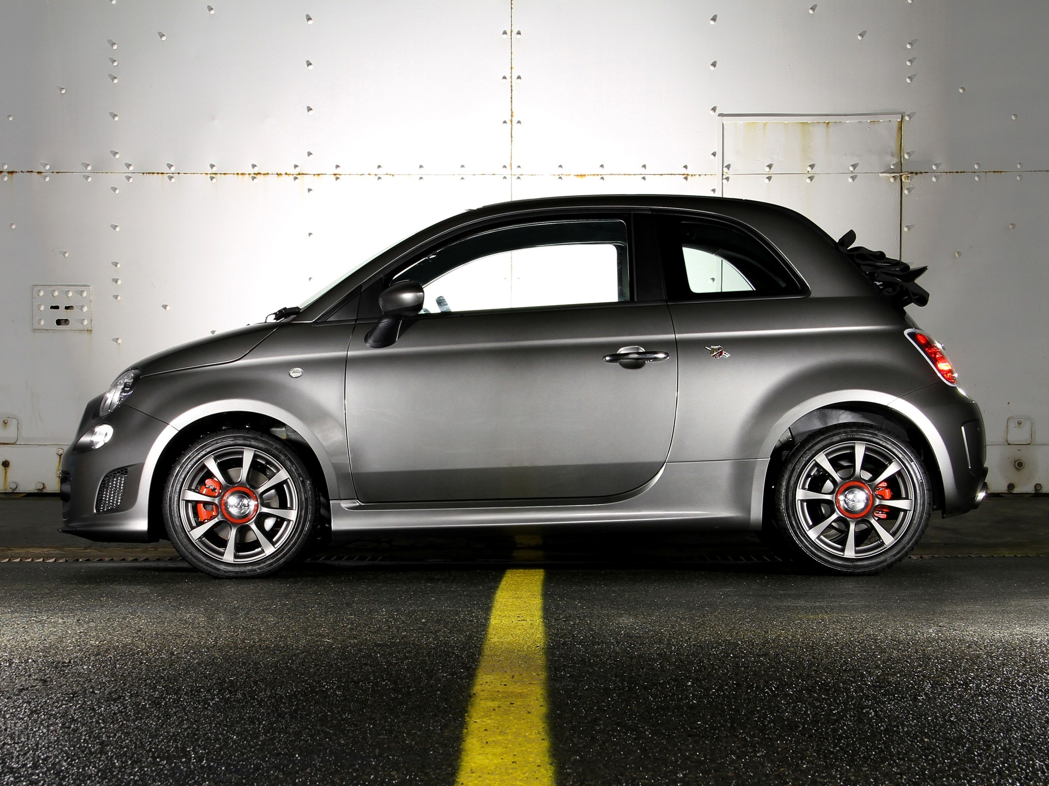 fiat 500c abarth specs 2012 2013 2014 2015 2016 2017 2018 autoevolution. Black Bedroom Furniture Sets. Home Design Ideas