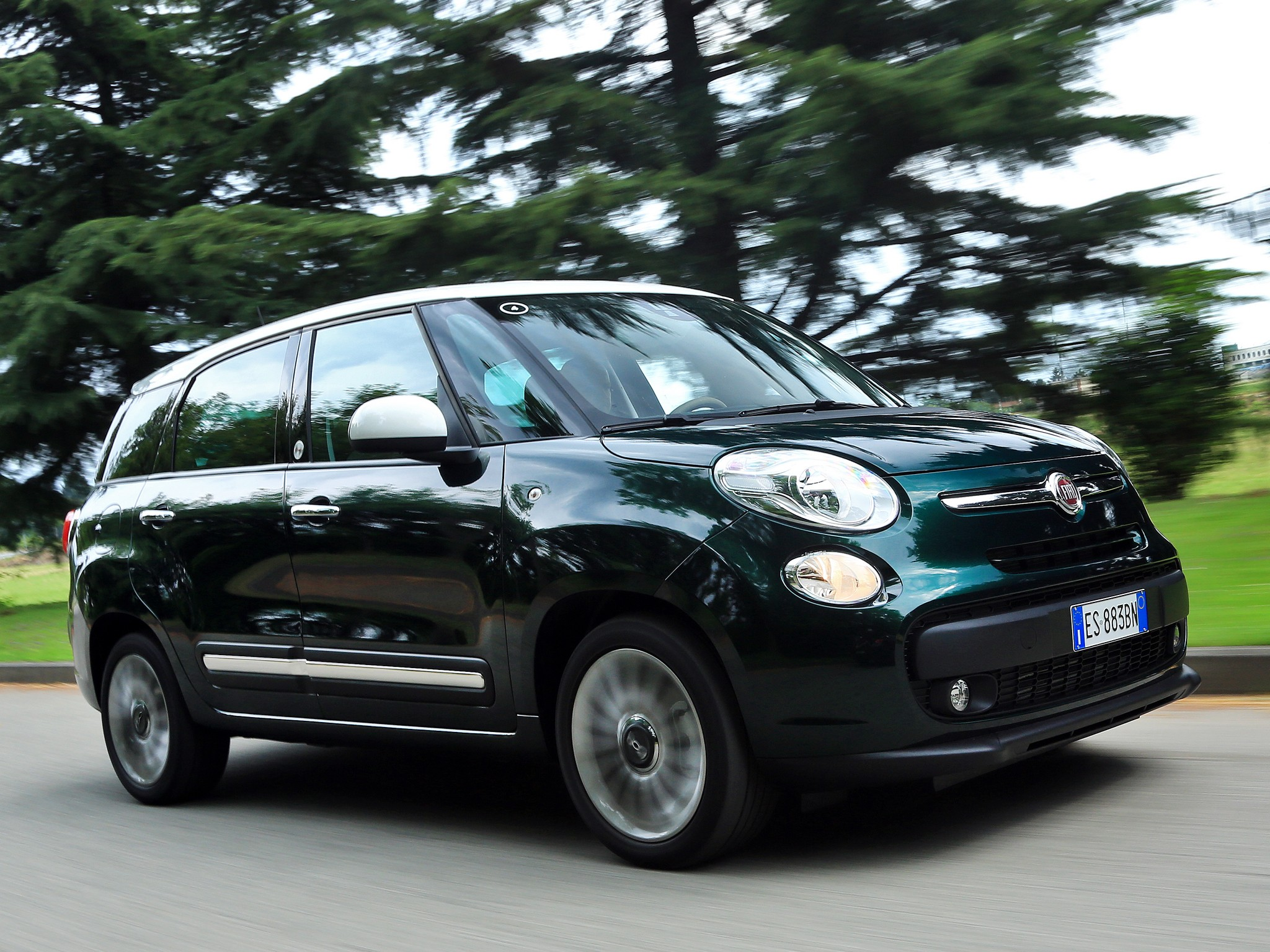 fiat 500l living 2013 2014 2015 2016 autoevolution. Black Bedroom Furniture Sets. Home Design Ideas