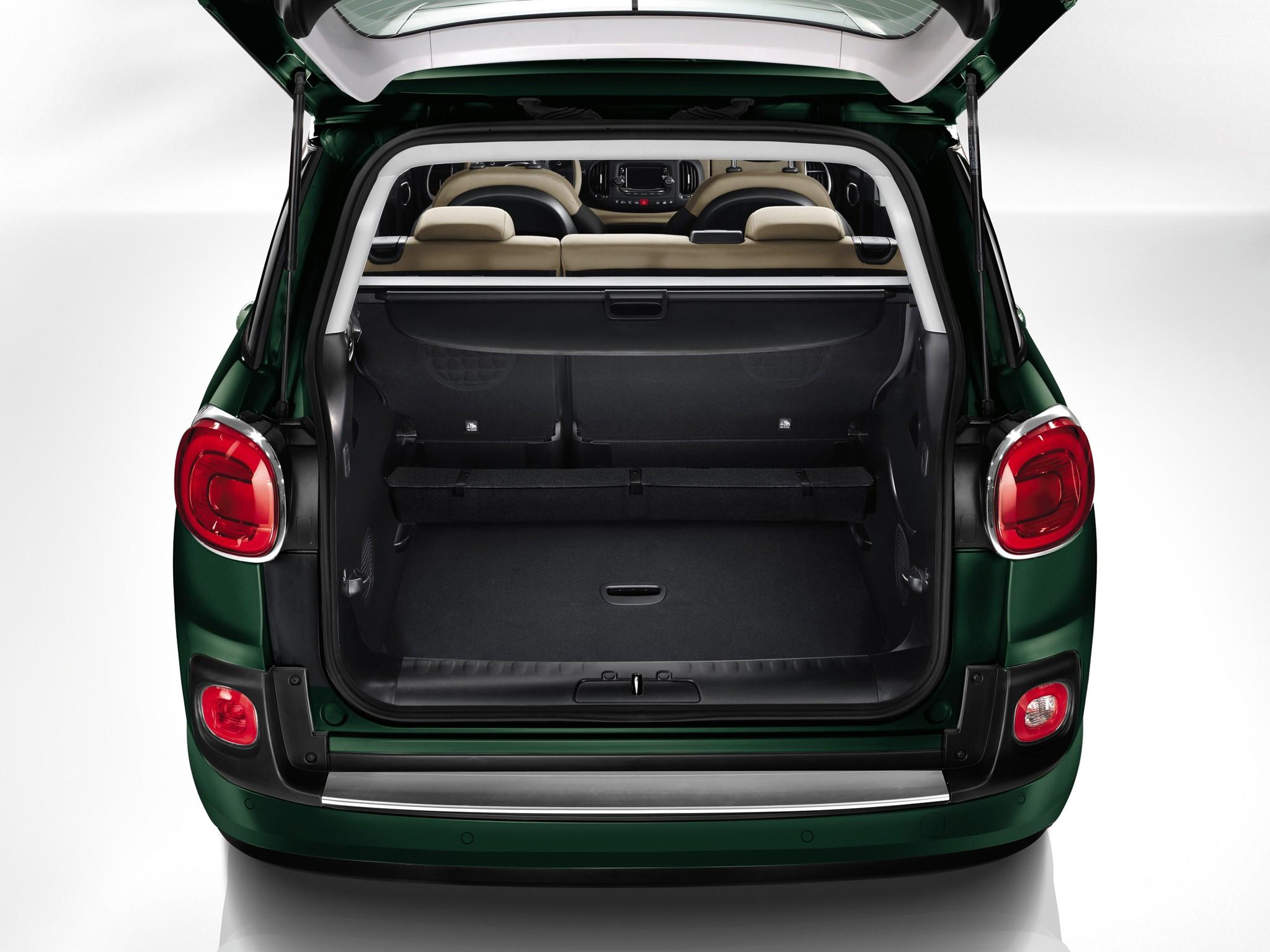 ... FIAT 500L Living (2013   Present) ...