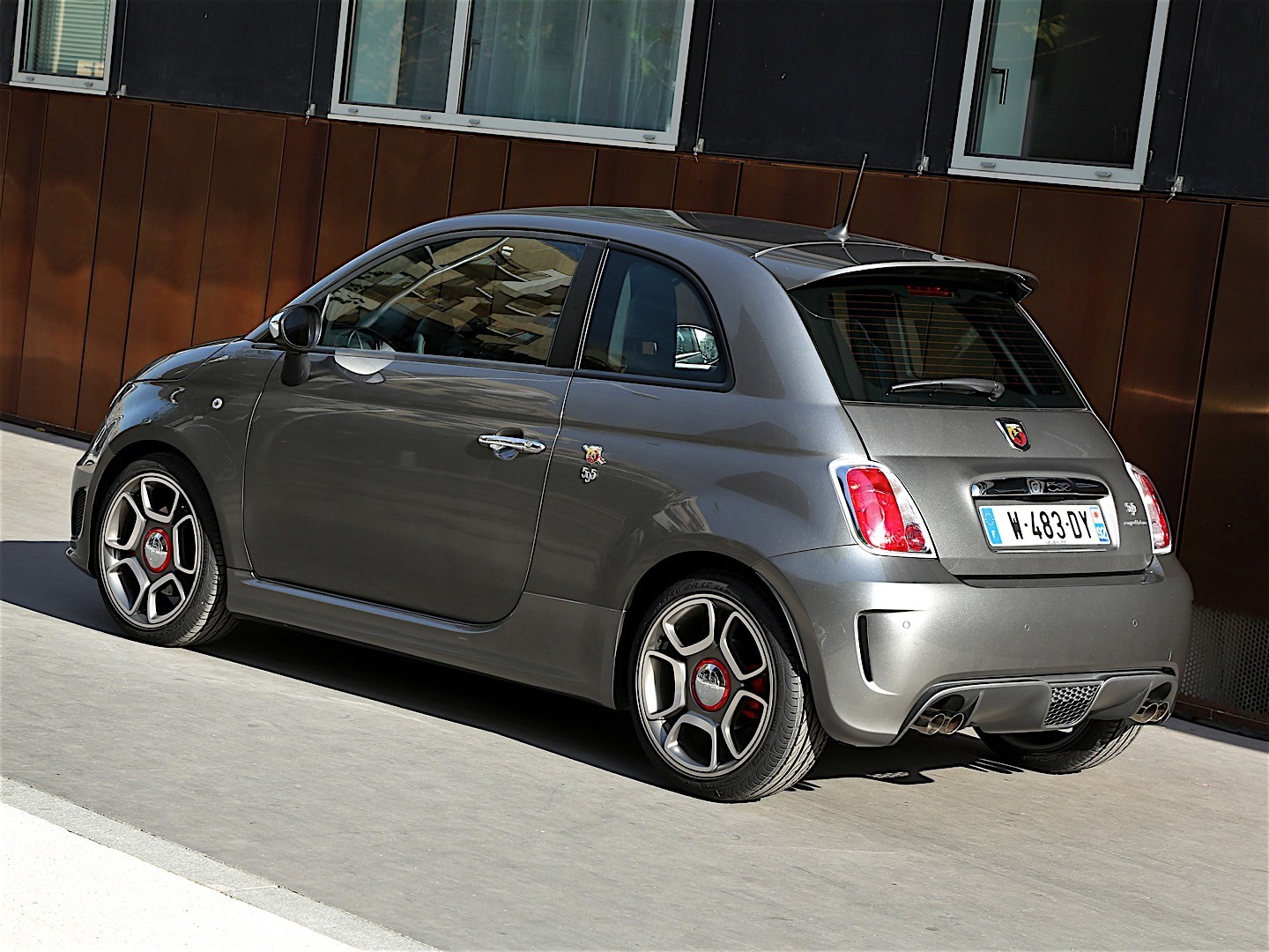 fiat 595 abarth 2012 2013 2014 2015 autoevolution. Black Bedroom Furniture Sets. Home Design Ideas