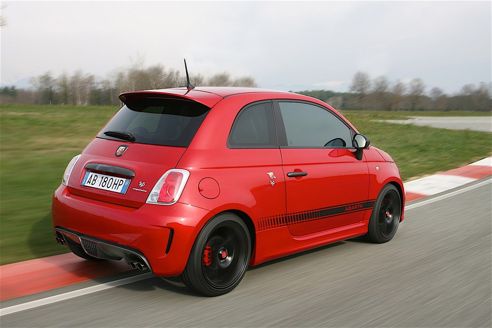 fiat 595 abarth specs photos 2012 2013 2014 2015 autoevolution. Black Bedroom Furniture Sets. Home Design Ideas