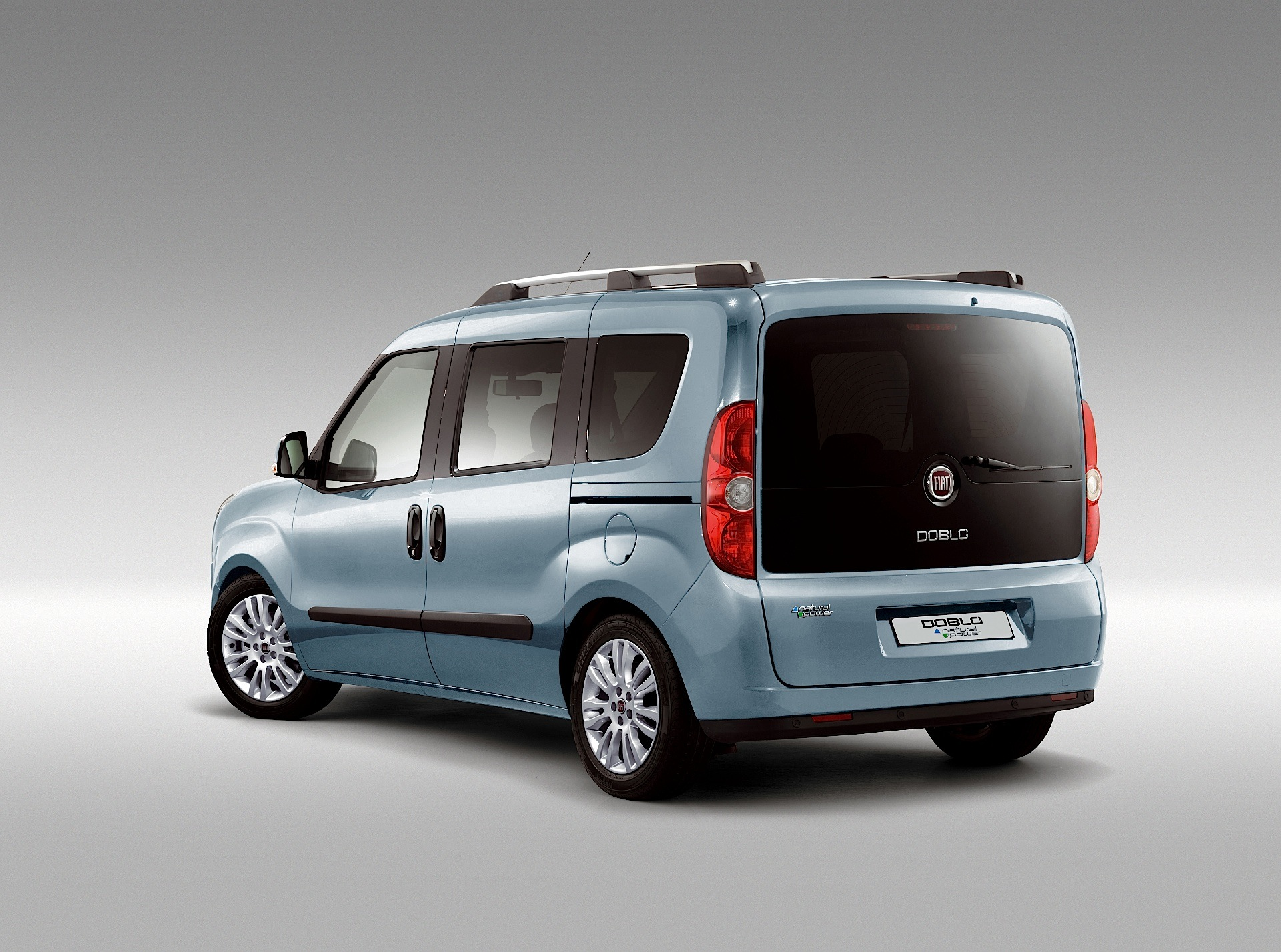 fiat doblo specs 2010 2011 2012 2013 2014 2015 2016 2017 2018 autoevolution. Black Bedroom Furniture Sets. Home Design Ideas