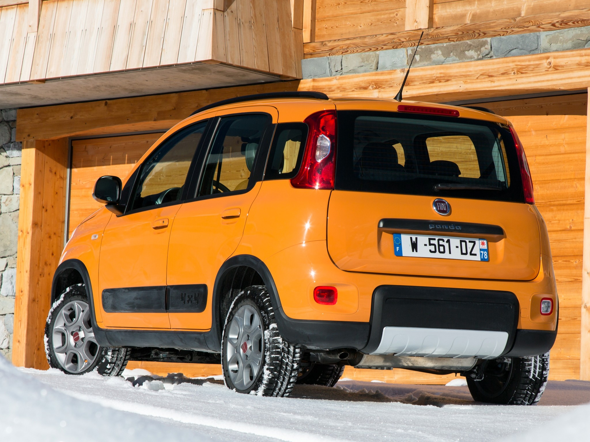 fiat panda 4x4 specs 2012 2013 2014 2015 2016 2017. Black Bedroom Furniture Sets. Home Design Ideas