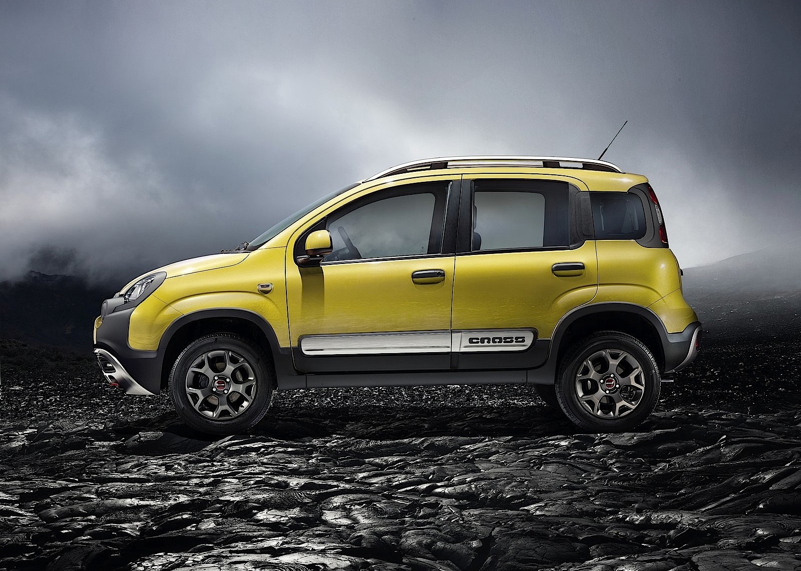 fiat panda cross specs photos 2014 2015 2016 2017 2018 autoevolution. Black Bedroom Furniture Sets. Home Design Ideas