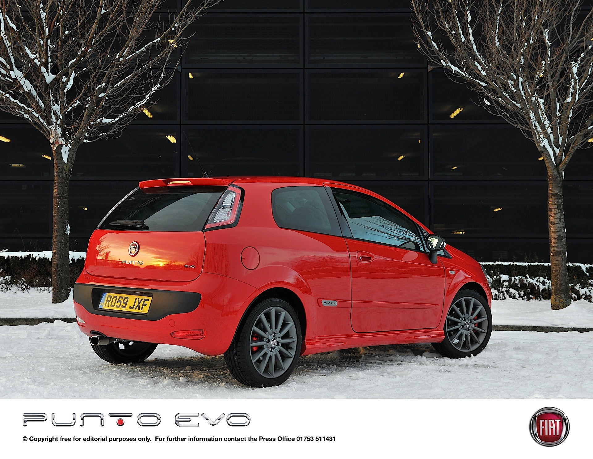 fiat punto evo 3 doors specs 2009 2010 2011 2012 autoevolution. Black Bedroom Furniture Sets. Home Design Ideas