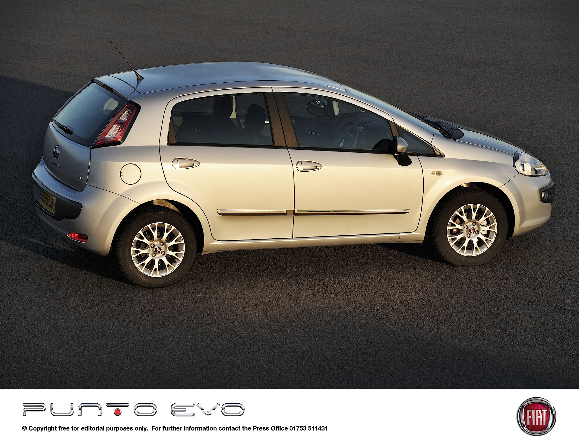 fiat punto evo 5 doors 2009 2010 2011 2012 autoevolution. Black Bedroom Furniture Sets. Home Design Ideas