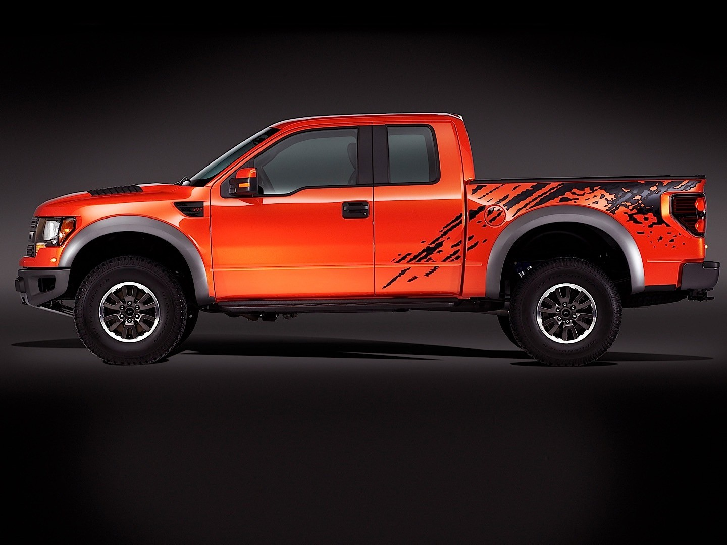 ford f 150 raptor svt specs 2009 2010 2011 2012 2013 autoevolution. Black Bedroom Furniture Sets. Home Design Ideas
