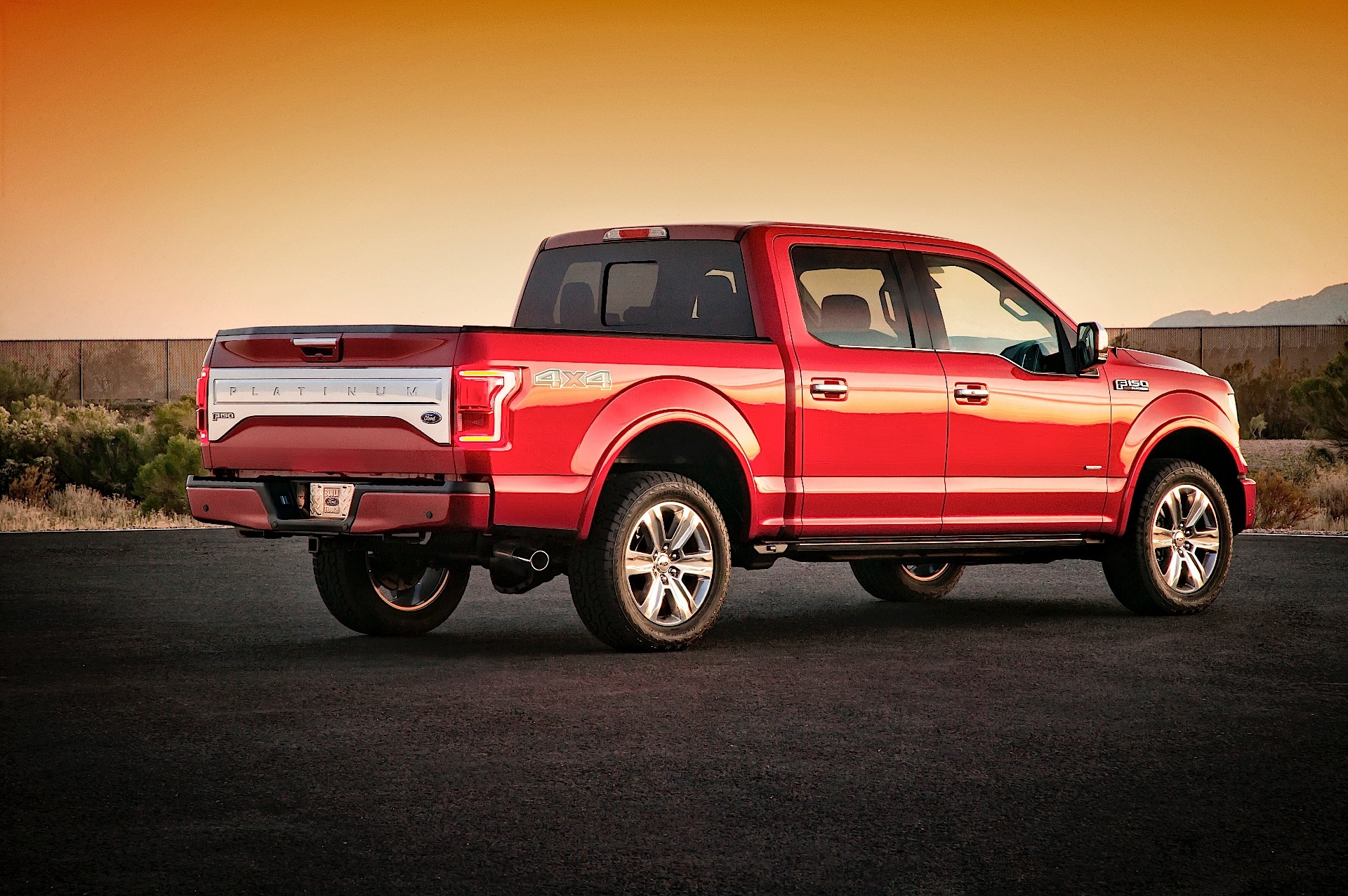 Ford F 150 Super Crew Specs Amp Photos 2014 2015 2016