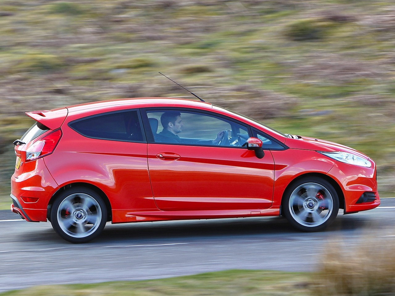Focus St Towing >> FORD Fiesta ST specs & photos - 2012, 2013, 2014, 2015, 2016, 2017, 2018 - autoevolution