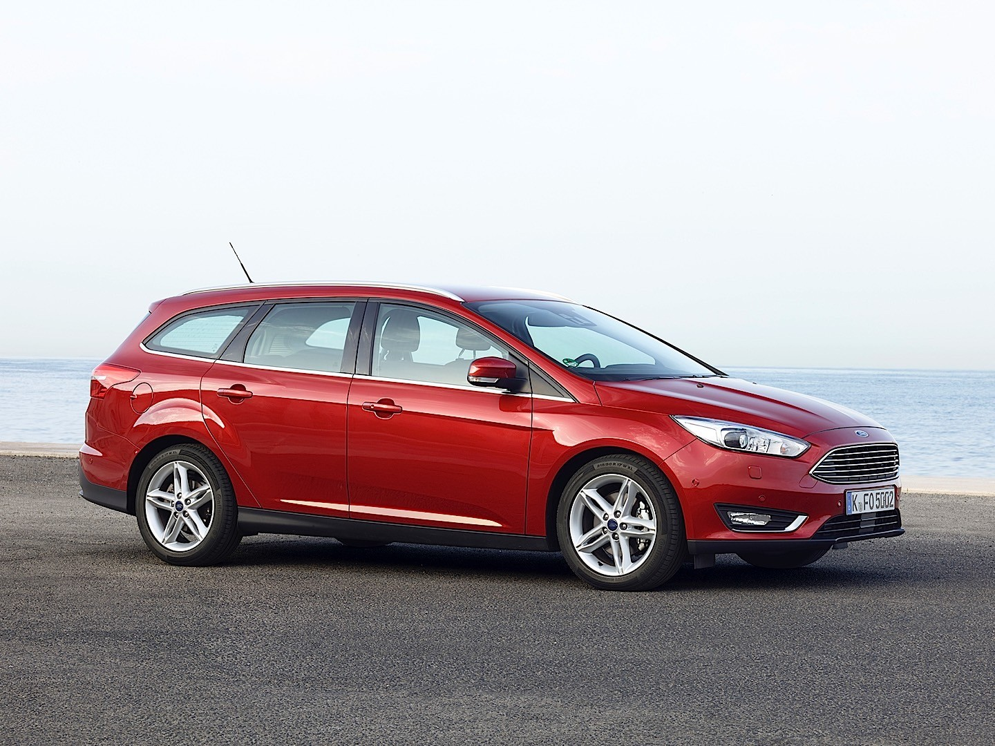 Ford Focus St 2013 Red >> FORD Focus Estate specs & photos - 2014, 2015, 2016, 2017, 2018 - autoevolution