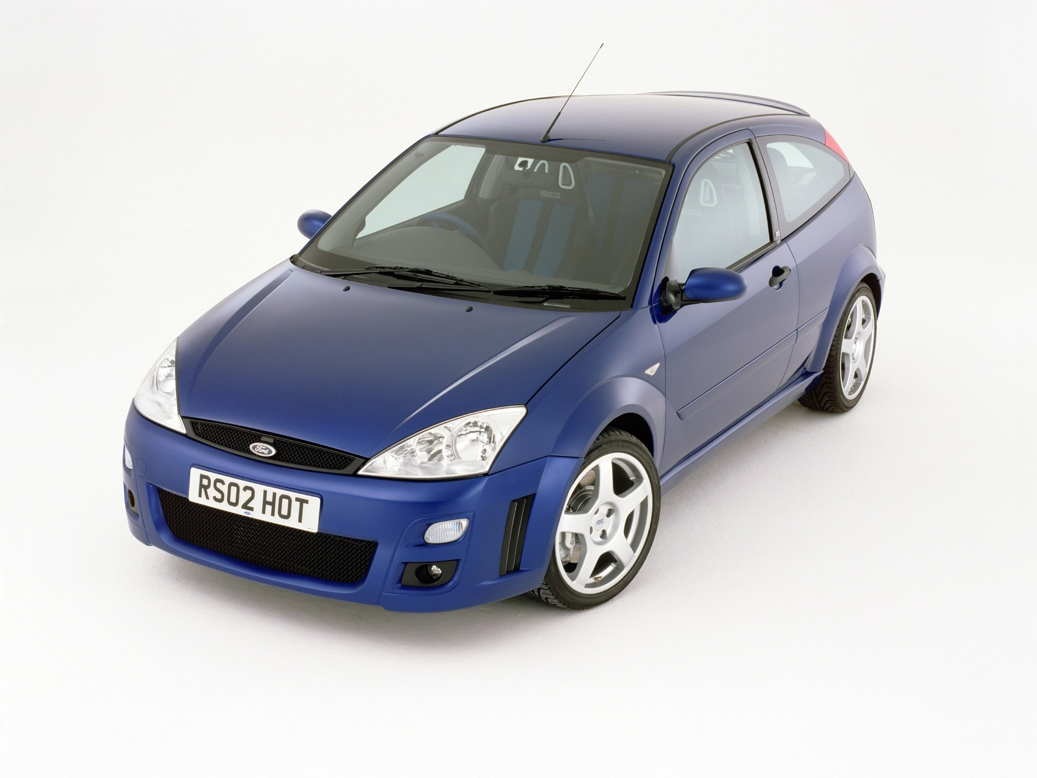 ford focus rs specs photos 2002 2003 autoevolution. Black Bedroom Furniture Sets. Home Design Ideas
