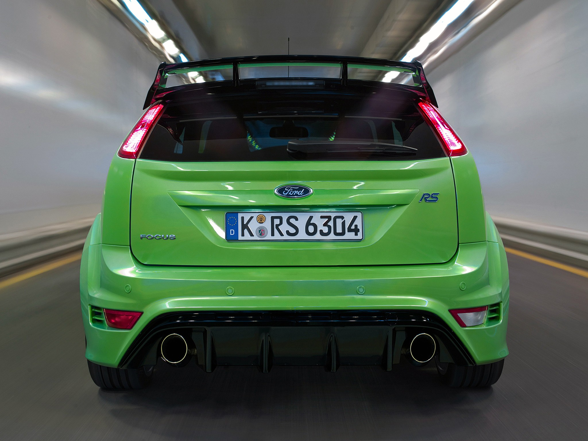 FORD Focus RS specs & photos - 2008, 2009, 2010, 2011 ...