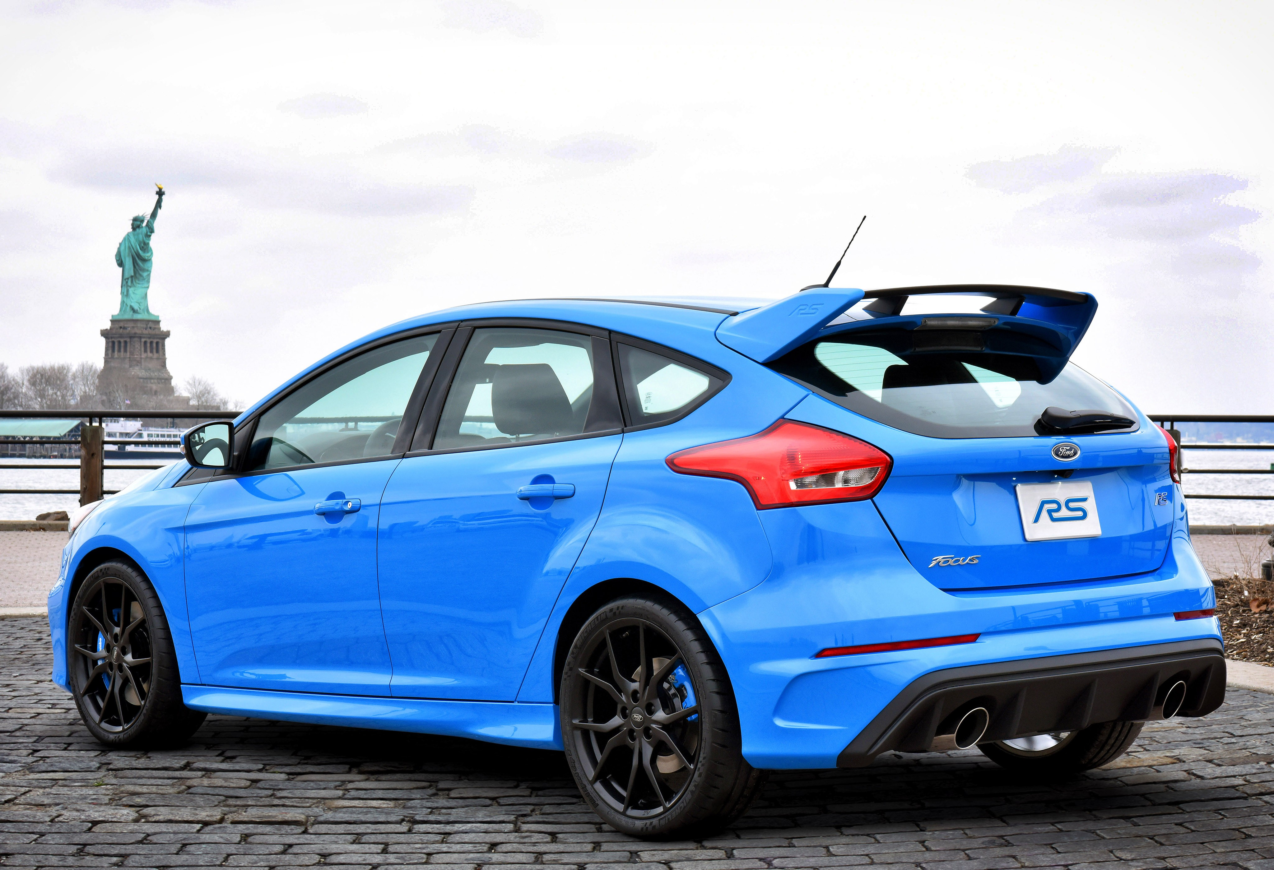 Ford Focus Rs Specs Photos 2016