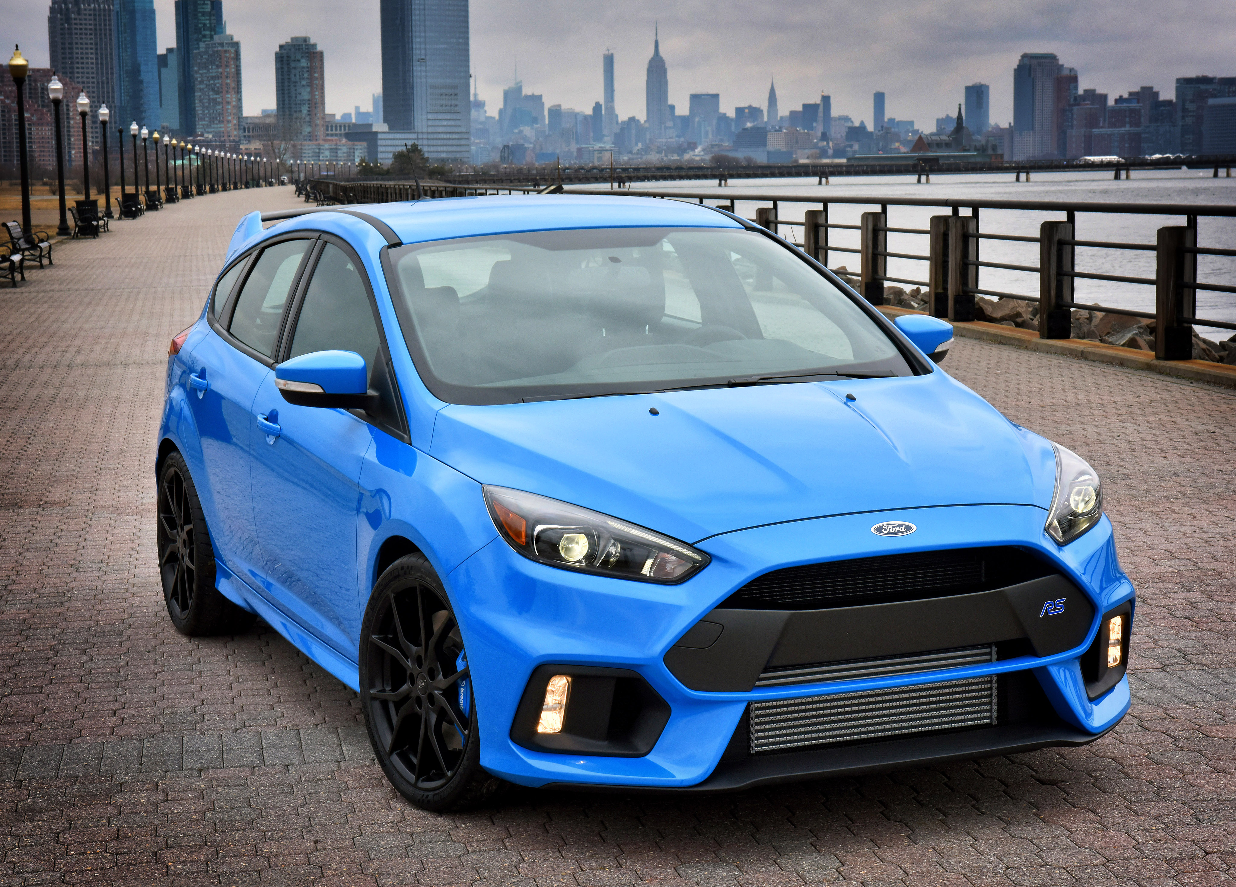 FORD Focus RS specs & photos - 2016, 2017, 2018, 2019 - autoevolution