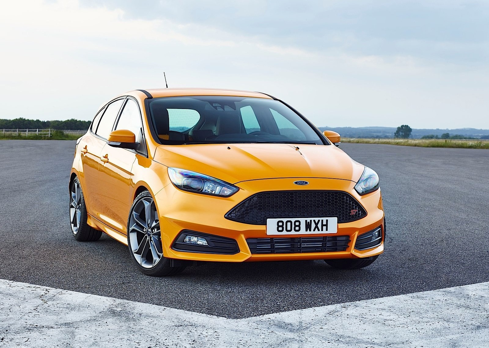Ford Focus St 5 Doors Specs Photos 2014 2015 2016 2017 2018 Lights