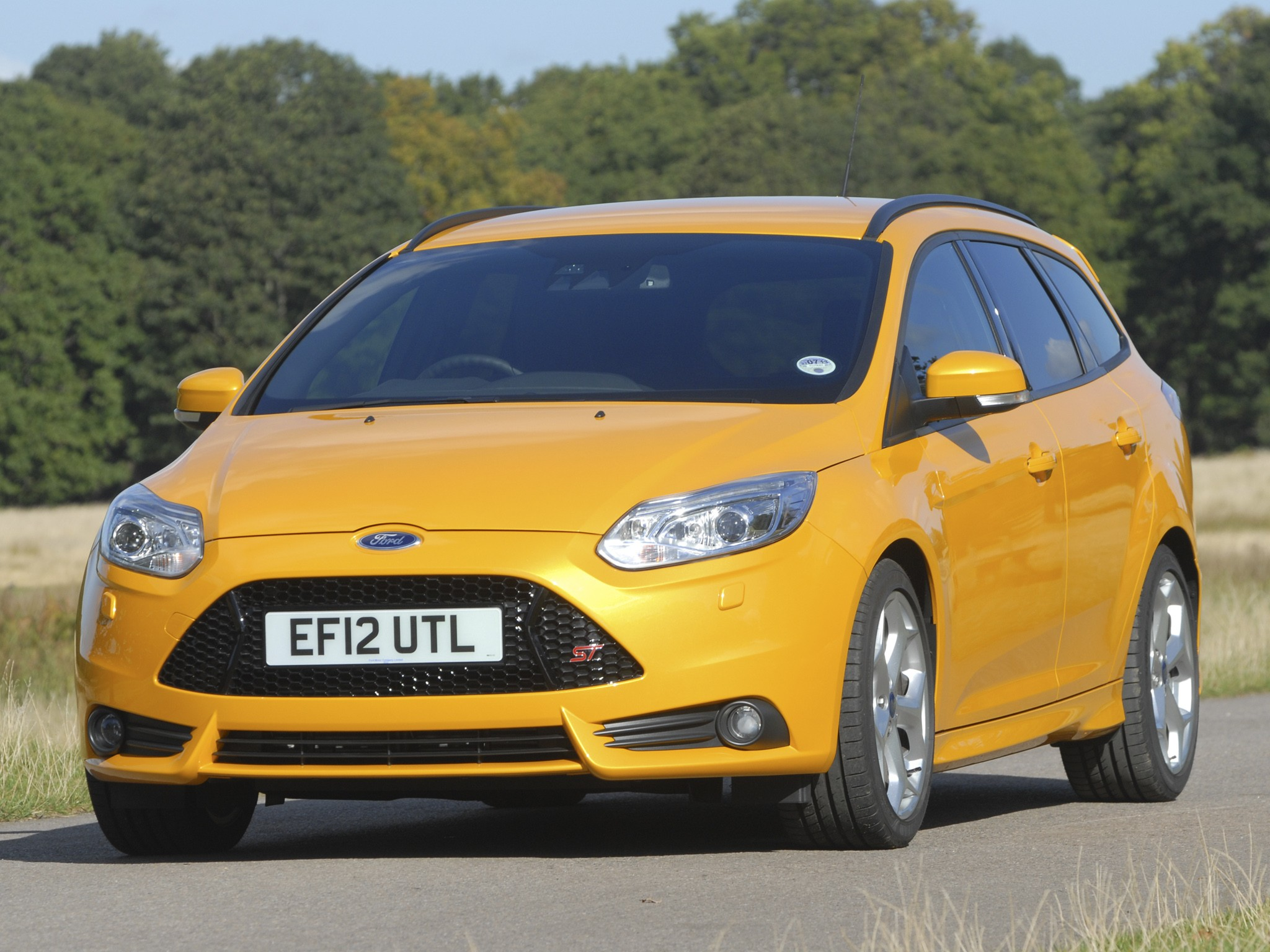 Ford Focus St Estate Specs Amp Photos 2012 2013 2014