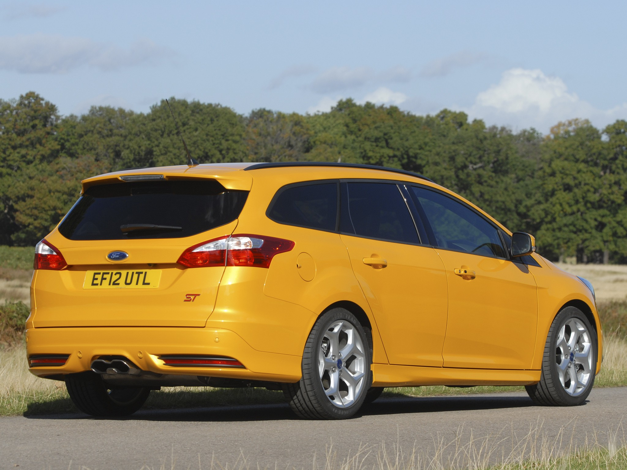 Focus St Towing >> FORD Focus ST Estate specs & photos - 2012, 2013, 2014, 2015, 2016, 2017, 2018 - autoevolution
