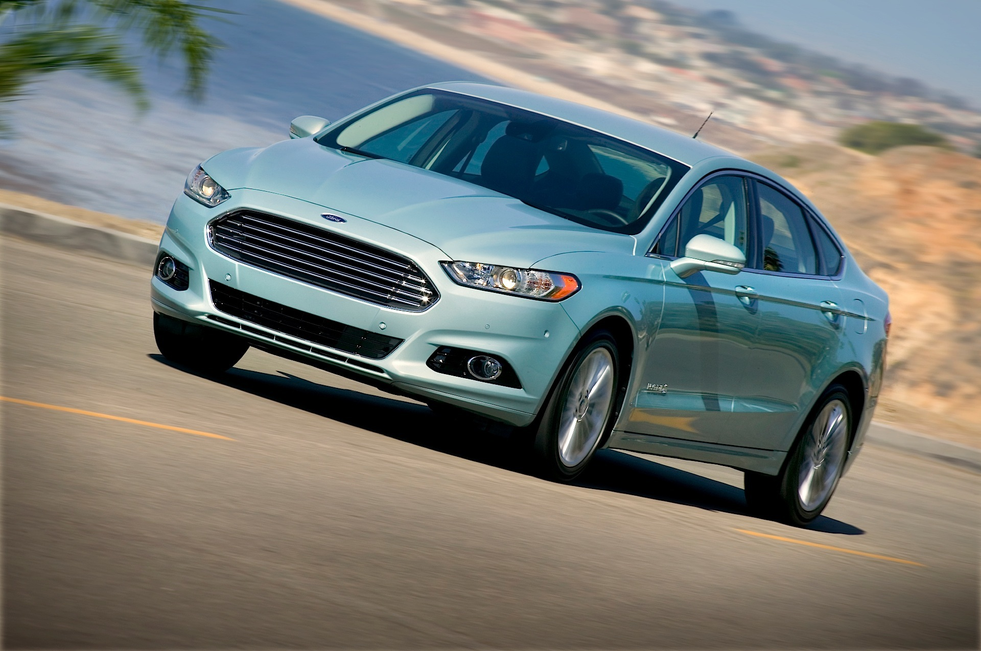 ford fusion hybrid specs 2012 2013 2014 2015 2016 autoevolution. Black Bedroom Furniture Sets. Home Design Ideas