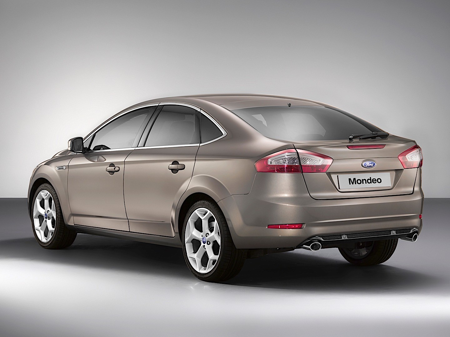ford mondeo hatchback specs photos 2010 2011 2012. Black Bedroom Furniture Sets. Home Design Ideas