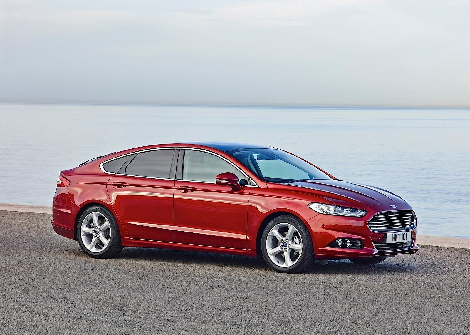 ford mondeo sedan 2015 2016 2017 autoevolution. Black Bedroom Furniture Sets. Home Design Ideas