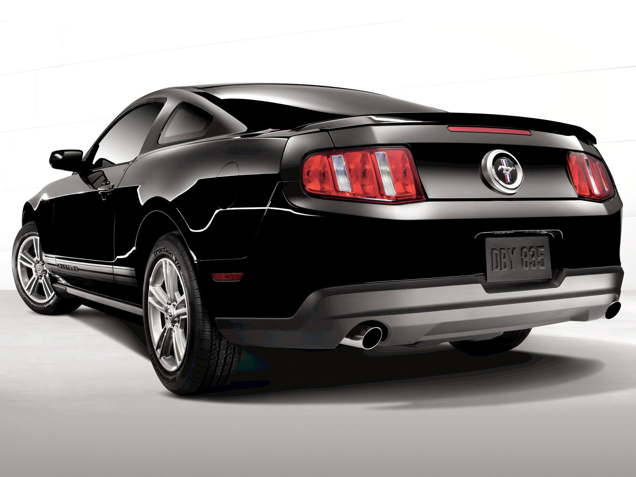 Ford Mustang Specs Amp Photos 2009 2010 2011 2012 2013