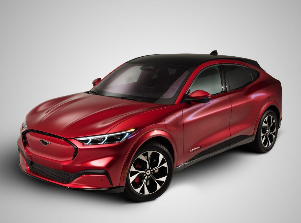 FORD Mustang MACH-E specs & photos - 2020, 2021 ...