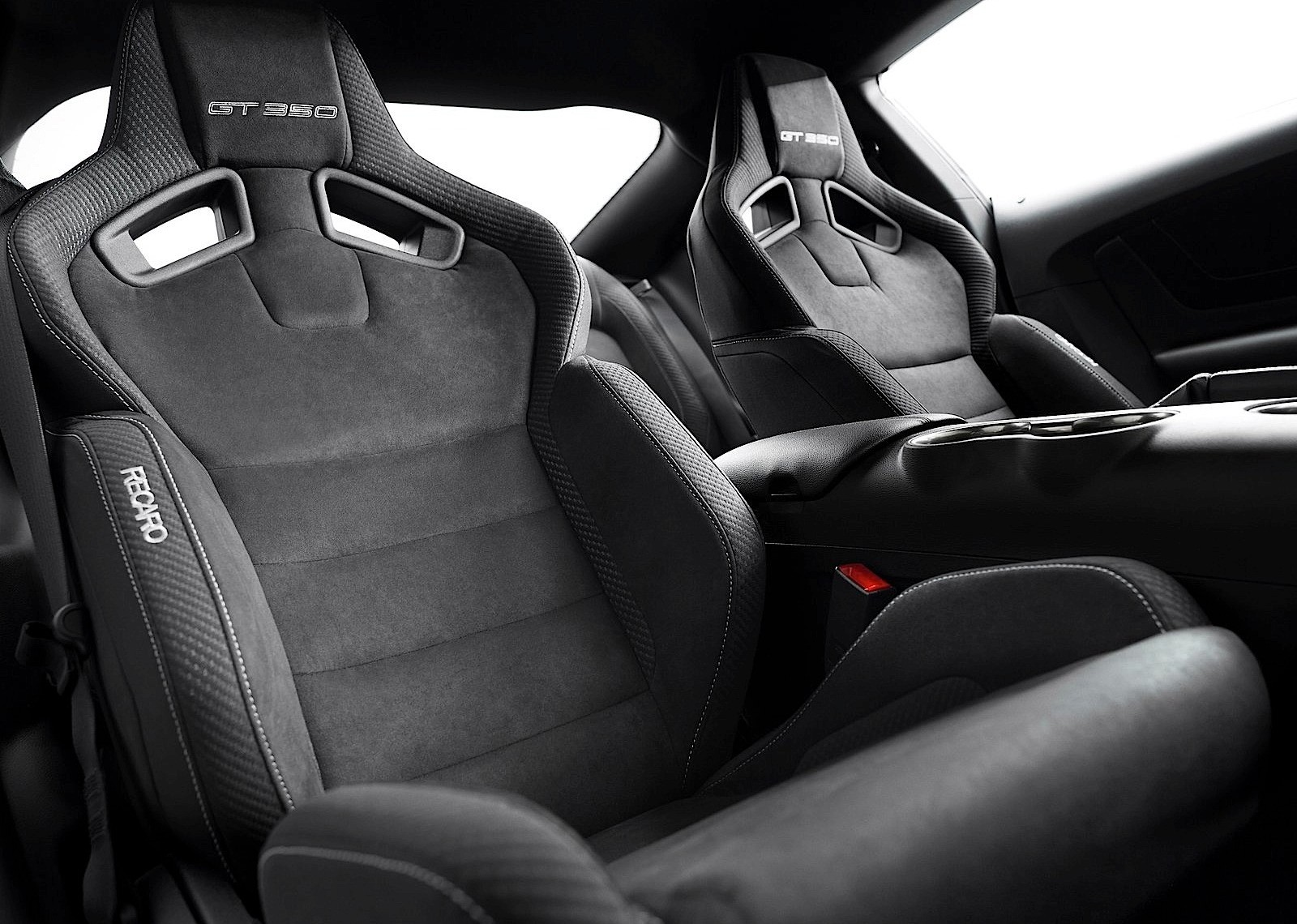 mustang ford gt350 shelby seats recaro performance autoevolution present specs cars