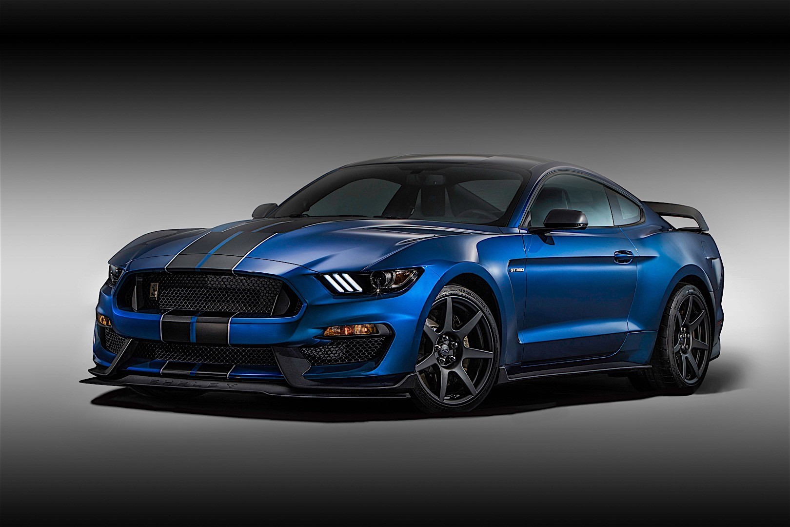 Ford Mustang Shelby Gt350r Specs Amp Photos 2015 2016