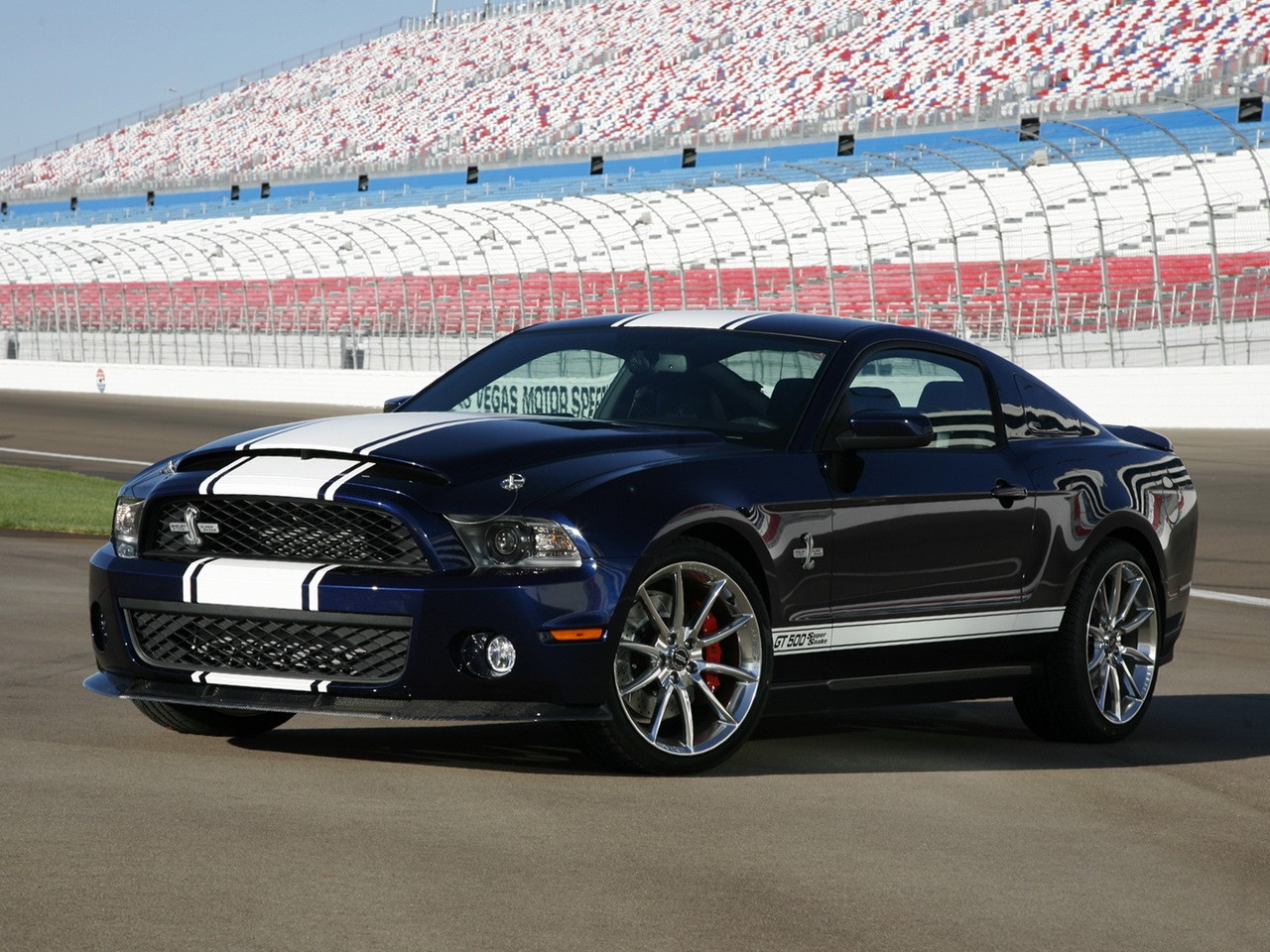 ford mustang shelby gt500 specs 2009 2010 2011 2012 autoevolution. Black Bedroom Furniture Sets. Home Design Ideas