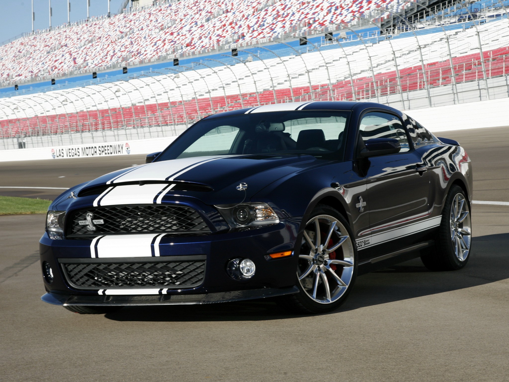 ford mustang shelby gt500 specs photos 2009 2010. Black Bedroom Furniture Sets. Home Design Ideas