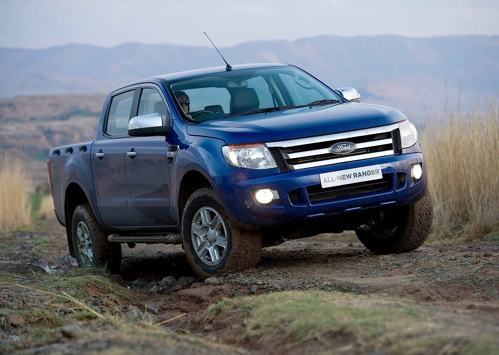 ford ranger double cab specs 2011 2012 2013 2014. Black Bedroom Furniture Sets. Home Design Ideas