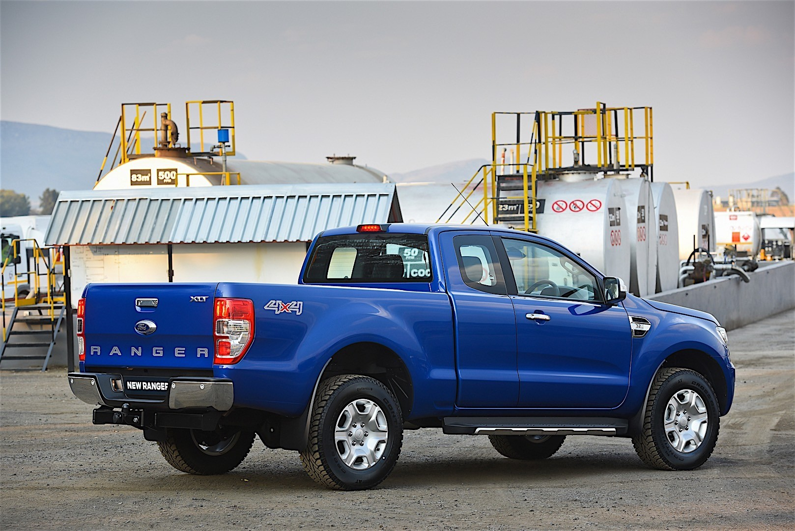 FORD Ranger Super Cab specs & photos - 2015, 2016, 2017 ...
