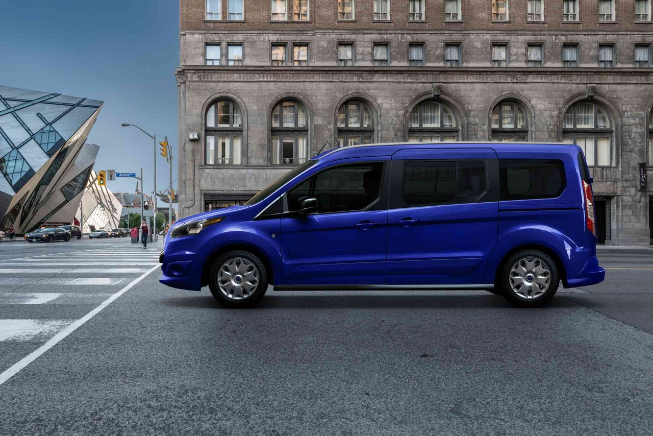 ford transit tourneo connect 7 seats specs 2018 autoevolution. Black Bedroom Furniture Sets. Home Design Ideas