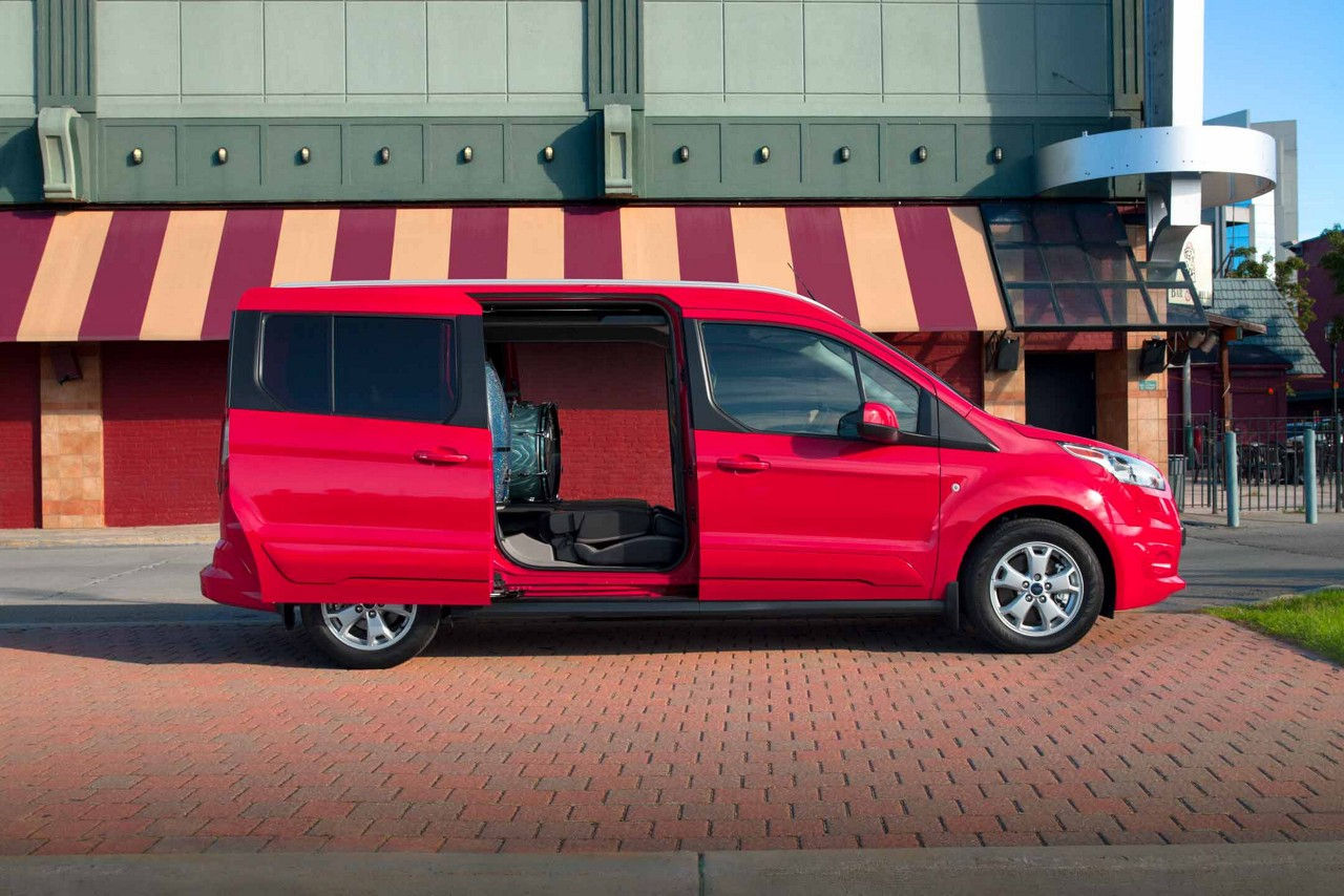 wagon unminivan transit driving the review motor ford connect