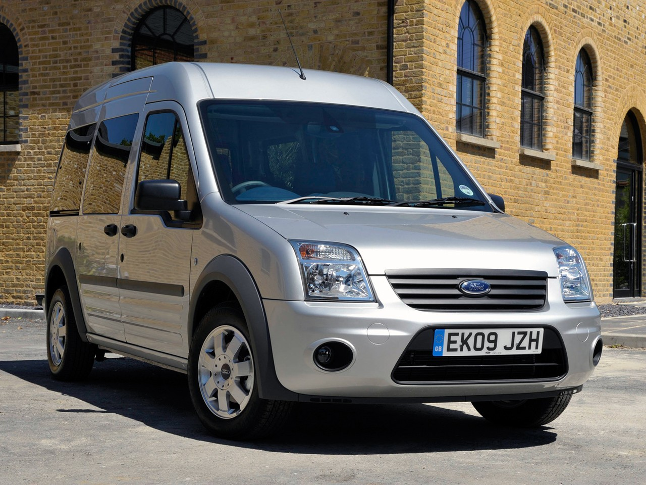 FORD Tourneo Connect specs & photos - 2009, 2010, 2011 ...