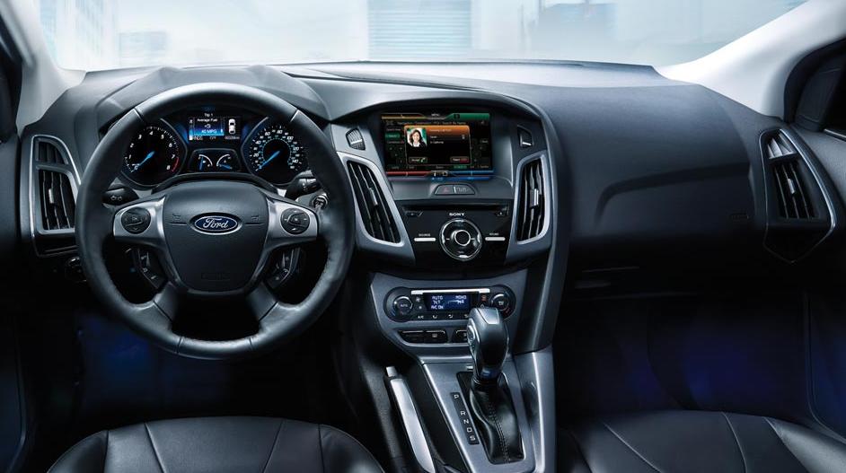 Used Ford Raptor >> FORD Focus 4 Doors specs & photos - 2011, 2012, 2013, 2014 - autoevolution
