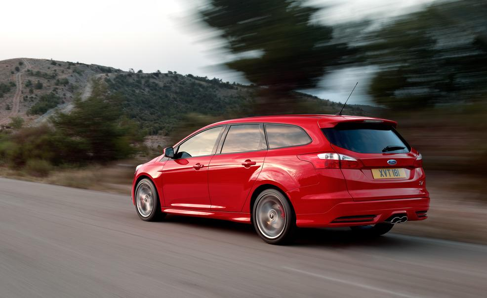 FORD Focus ST Estate specs & photos - 2012, 2013, 2014 ...