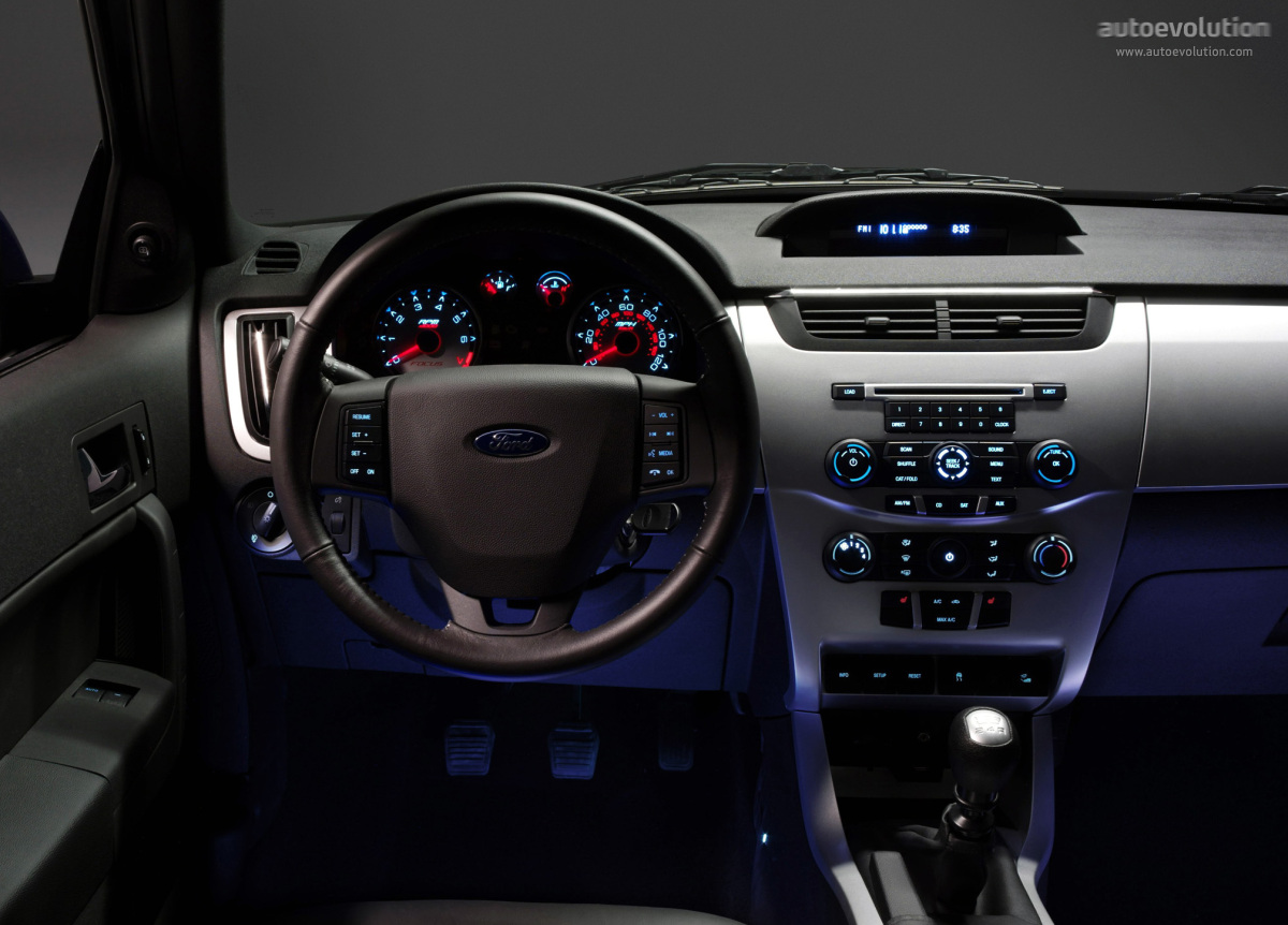 Ford Focus 2010 Sedan Interior